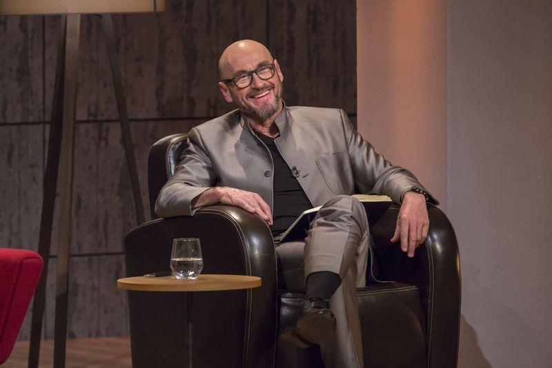 """Jochen Schweizer als Jurymitglied der Fernsehshow """"Die Höhle der Löwen"""""""