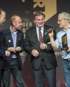 """Unternehmensgründer Bond gewann im Jahr 2016 den Digitalpreis """"The Spark"""" und besetzte den ersten Platz. Die Relayr GmbH besteht bereits seit 2013 in Berlin und entwickelt Software für das Internet der Dinge. (Foto: Pressematerial, """"The Spark"""")"""
