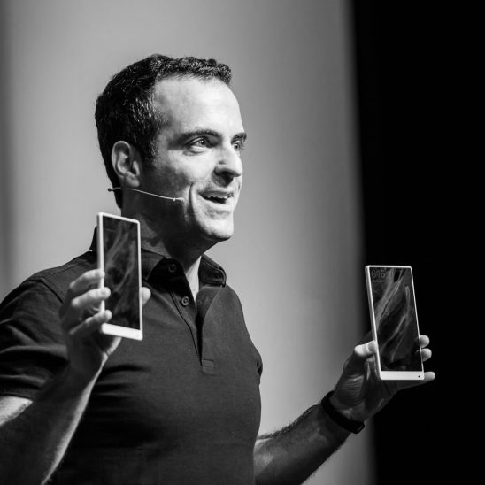 Hugo Barra von Xiaomi stellt auf der CES 2017 Produkte vor