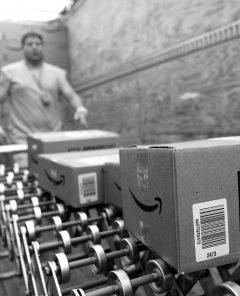 Amazon schickt Kataloge per Post um zielgerichtet mehr Marktanteile zu ergattern