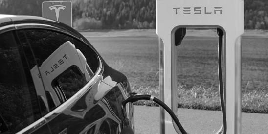 Nach Tweet von Elon Musk: US-Börsenaufsicht prüft Tesla-Börsenabgang (Foto Pixabay)