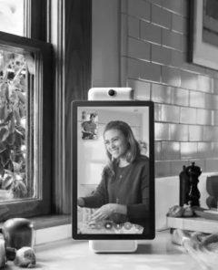 Facebook bringt smarte Lautsprecher mit Bildschirm und Kamera (Fotomaterial: Facebook)