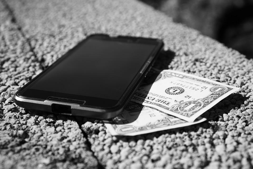 SEine zukünftige Kryptowährung von Facebook könnte an den Dollar gebunden sein. (Bild: Pixabay).