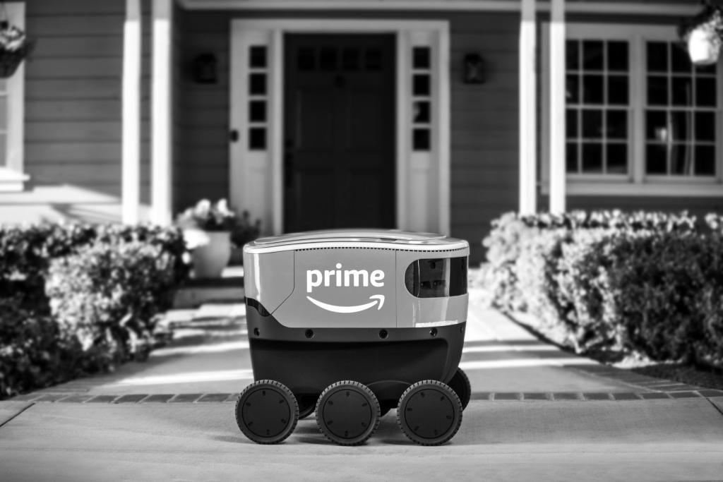 """Die Lieferroboter """"Amazon Scout"""" werden zunächst von Begleitpersonen überwacht."""