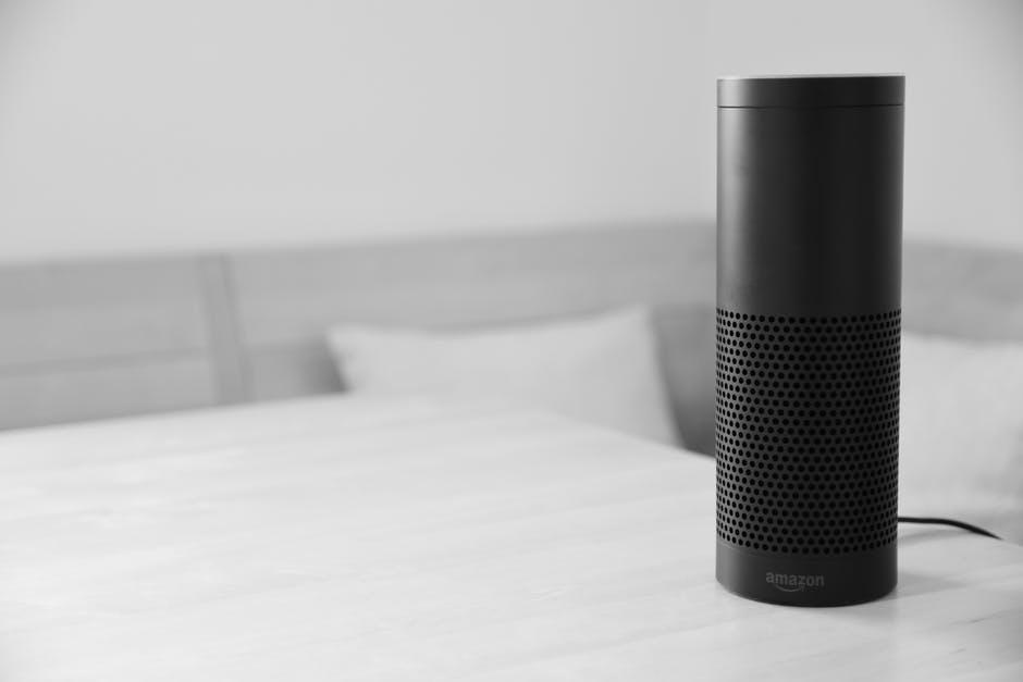 Geräte wie das Amazon Echo sind unter ungünstigen Umständen durch Hacker aktivierbar.