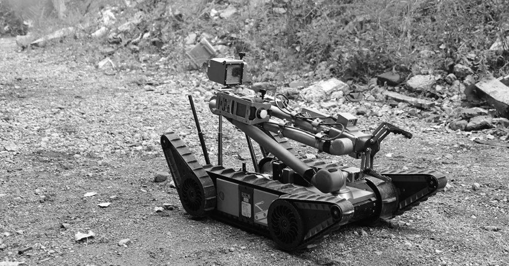 Roboter von Endeavor tragen Kameras und oft Greifer.