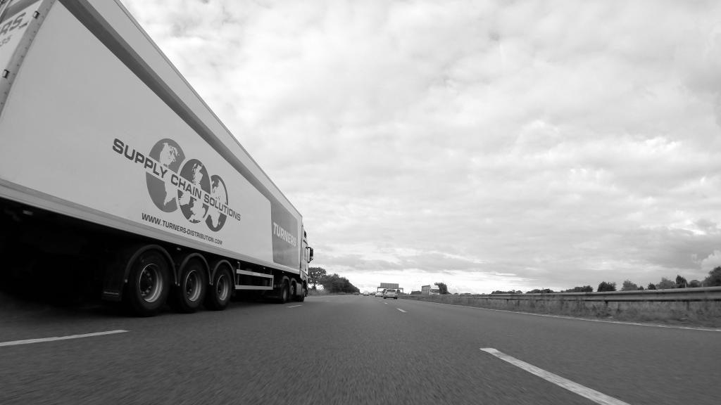 Amazon beginnt im Nordosten der USA mit der Vermittlung von Lkw-Frachten.