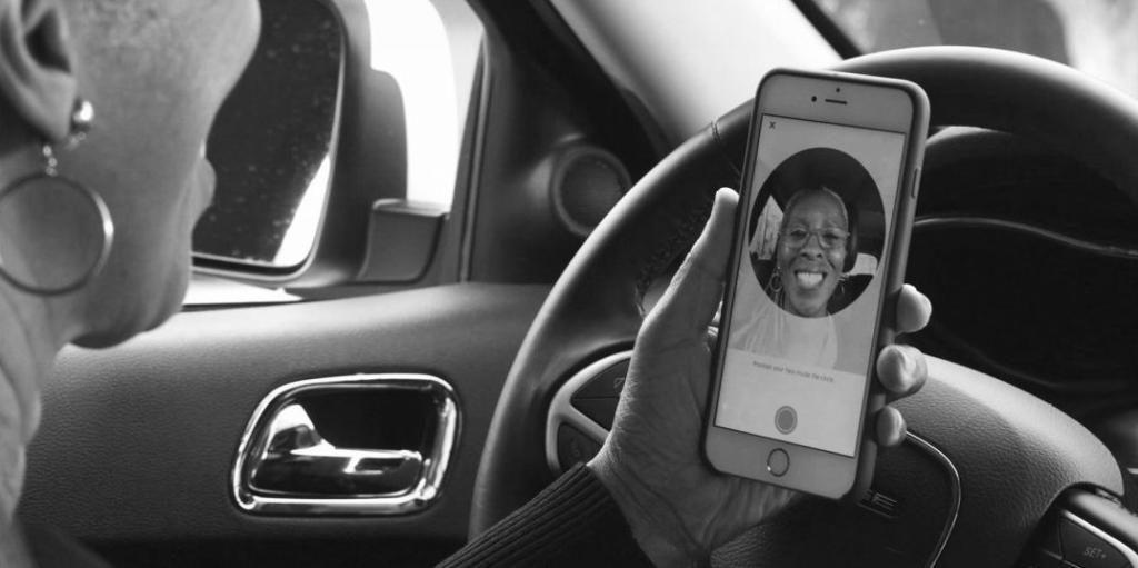 Uber hatte schon 2016 der Überprüfung von Fahrern per Selbstporträt eingeführt. (Bild: Uber)