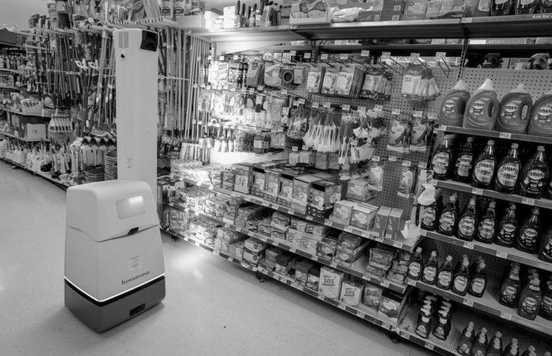 Der autonome Regalscanner ist einer von vier Robotern, die Walmart in großem Stil in seinen Märkten betreiben wird.