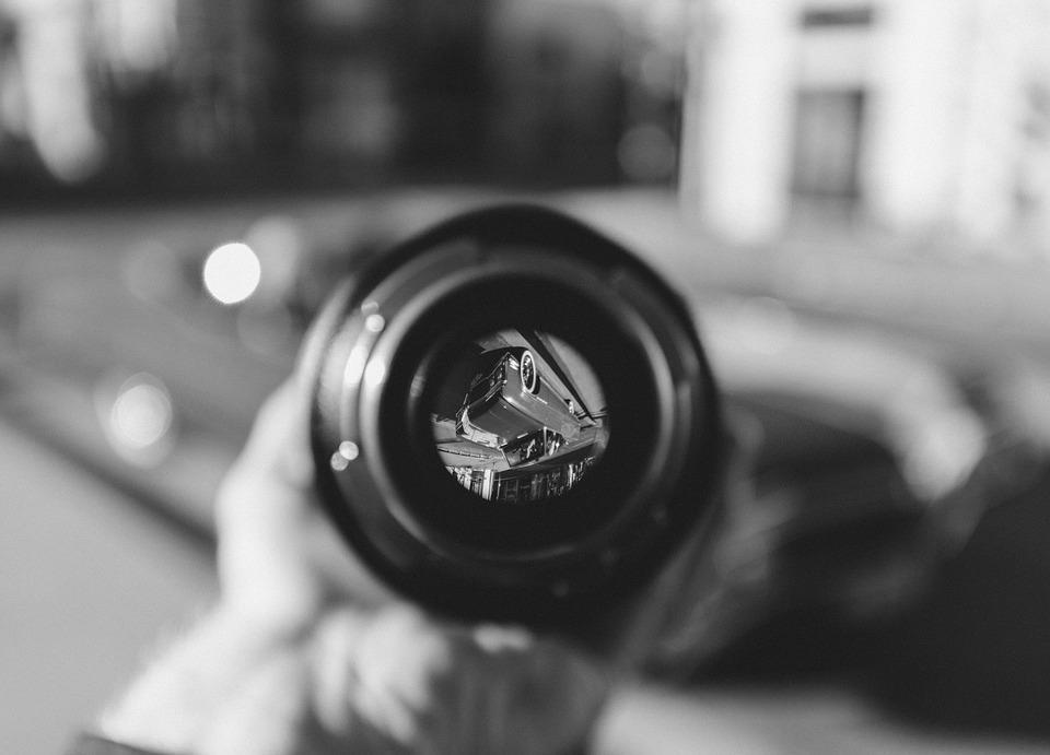 Die Software von Ravin. ai soll Autos anhand von Filmaufnahmen auf Defekte untersuchen.