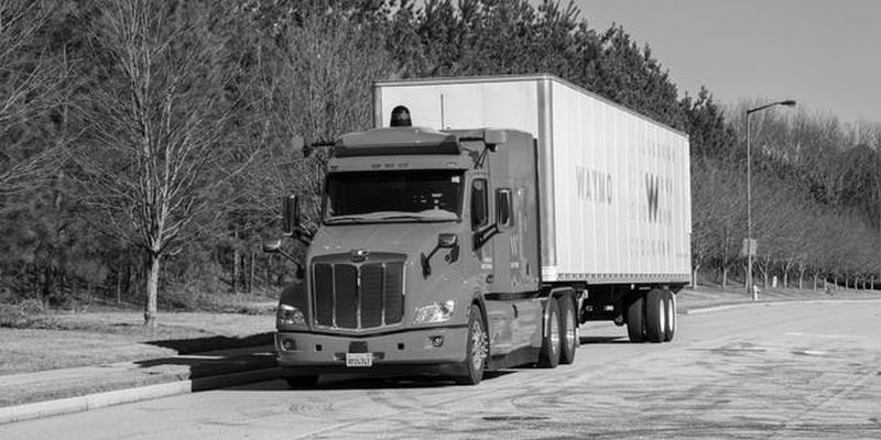 Waymo ist im Raum Phoenix wieder mit Trucks unterwegs.