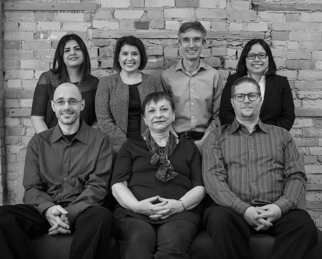 Das Team von Skritswap um Gründerin Melissa Kargiannakis (hinten zweite von links).