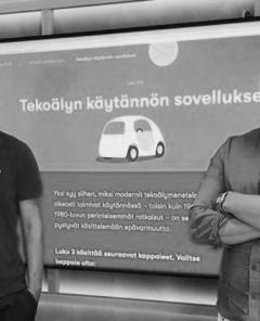 """Informatikprofessor Teemu Roos von der Universität Helsinki und Marketingleiter Ville Valtonen entwickelten den erfolgreichen Online-Kurs """"Elements of AI"""". (Foto: Jenni Roth)"""