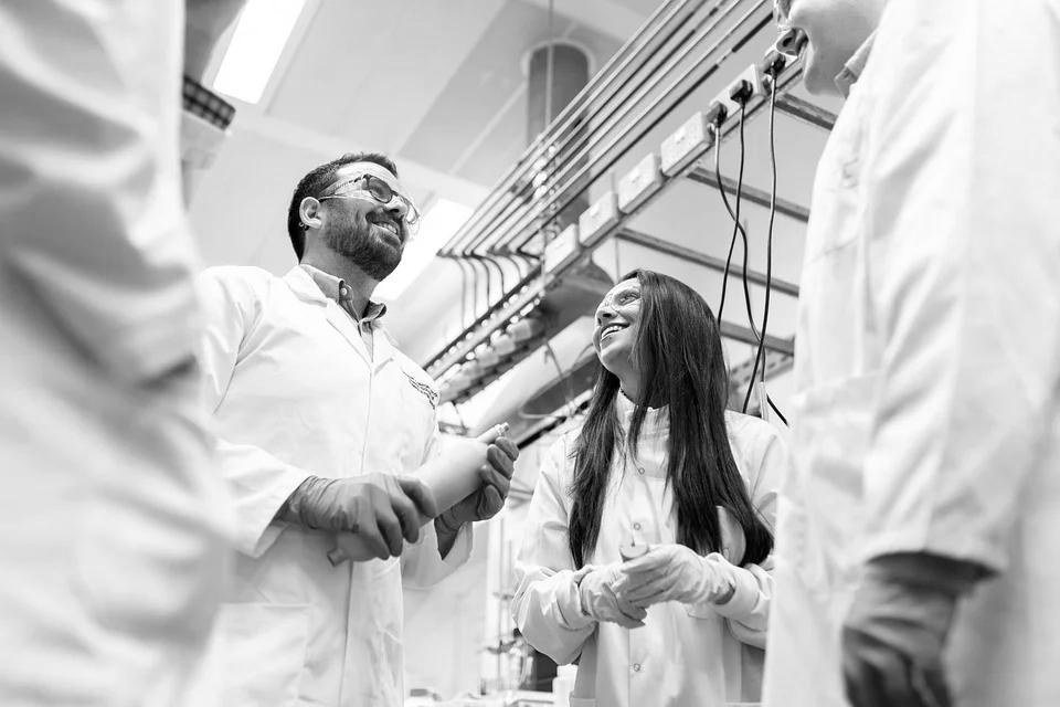 Maschinen lernen Chemie (Foto: Pixabay)