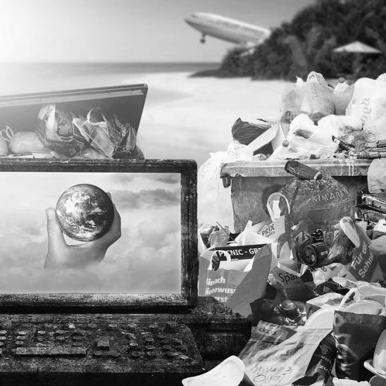 Künstliche Intelligenz spürt Plastikmüll im Meer auf (Foto: Pixabay)