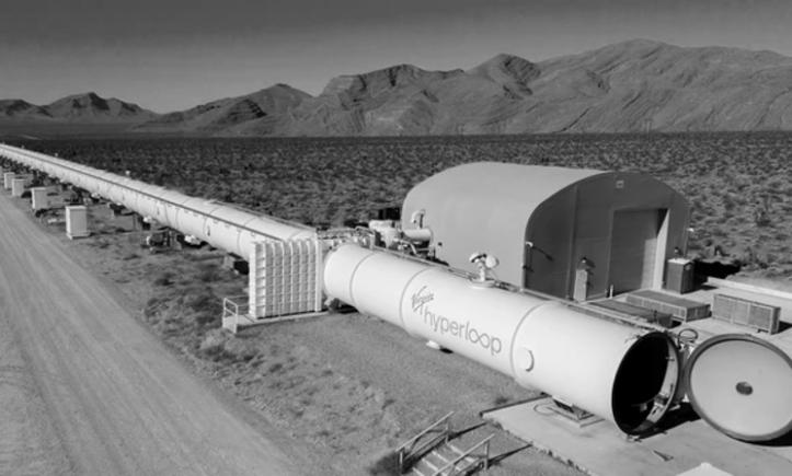 Richard Branson und sein Unternehmen Virgin Hyperloop baut Hyperloop-Teststrecke für 500 Millionen US-Dollar (Foto: Virgin Hyperloop)